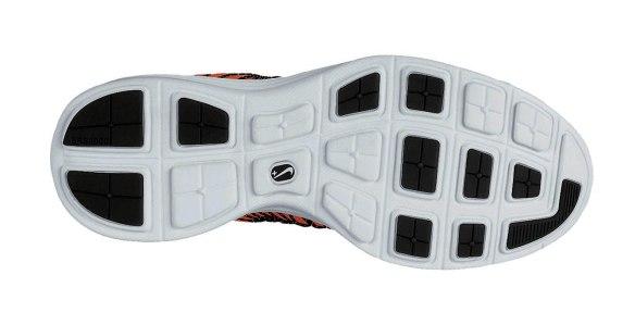 Nike-Lunaracer-3-Mens-Running-Shoe-554675_800_B_png&wid=1430&hei=1021&fmt=jpg